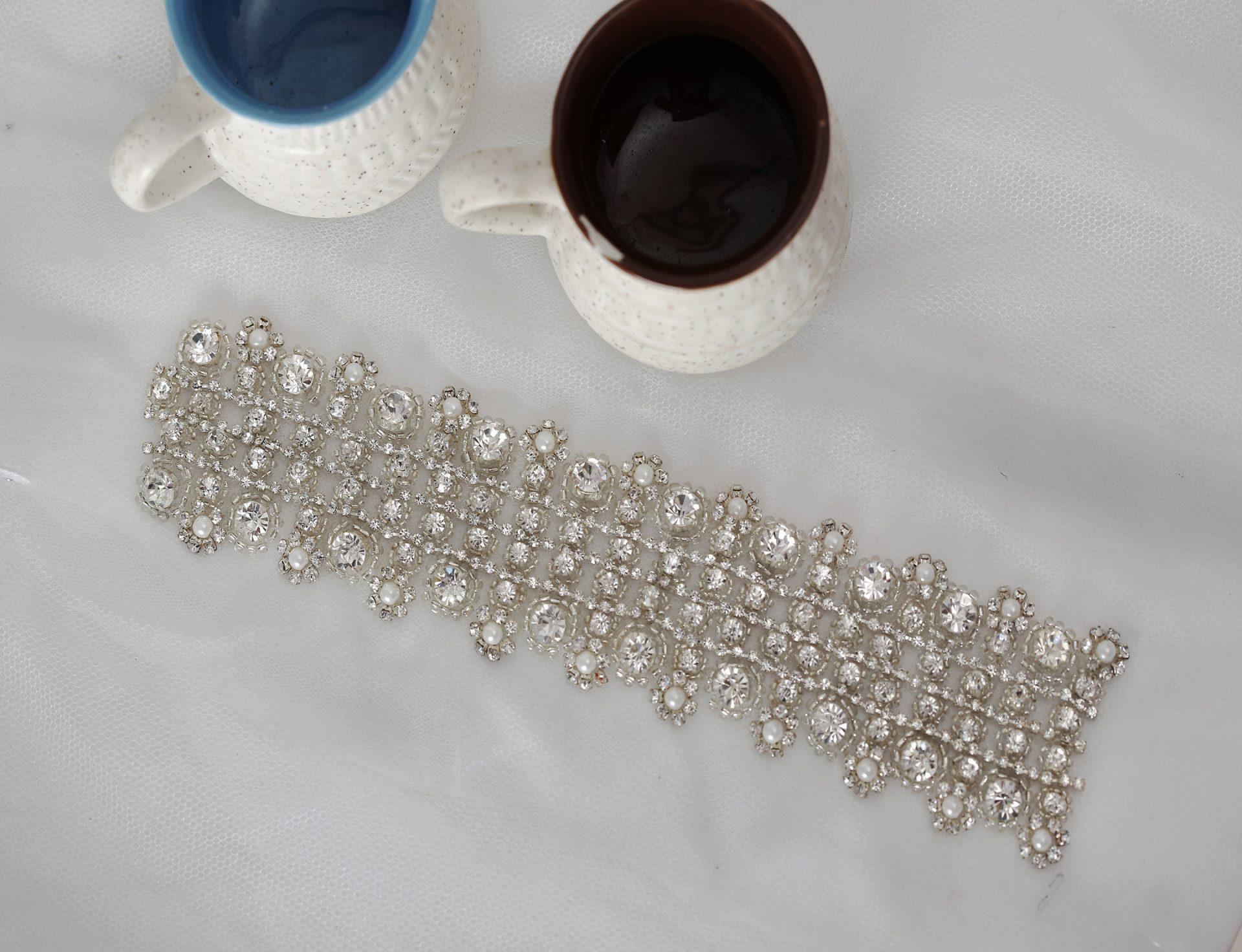 DIY Rhinestone Belt | La Vie En Rose | Trim Made of Crystals