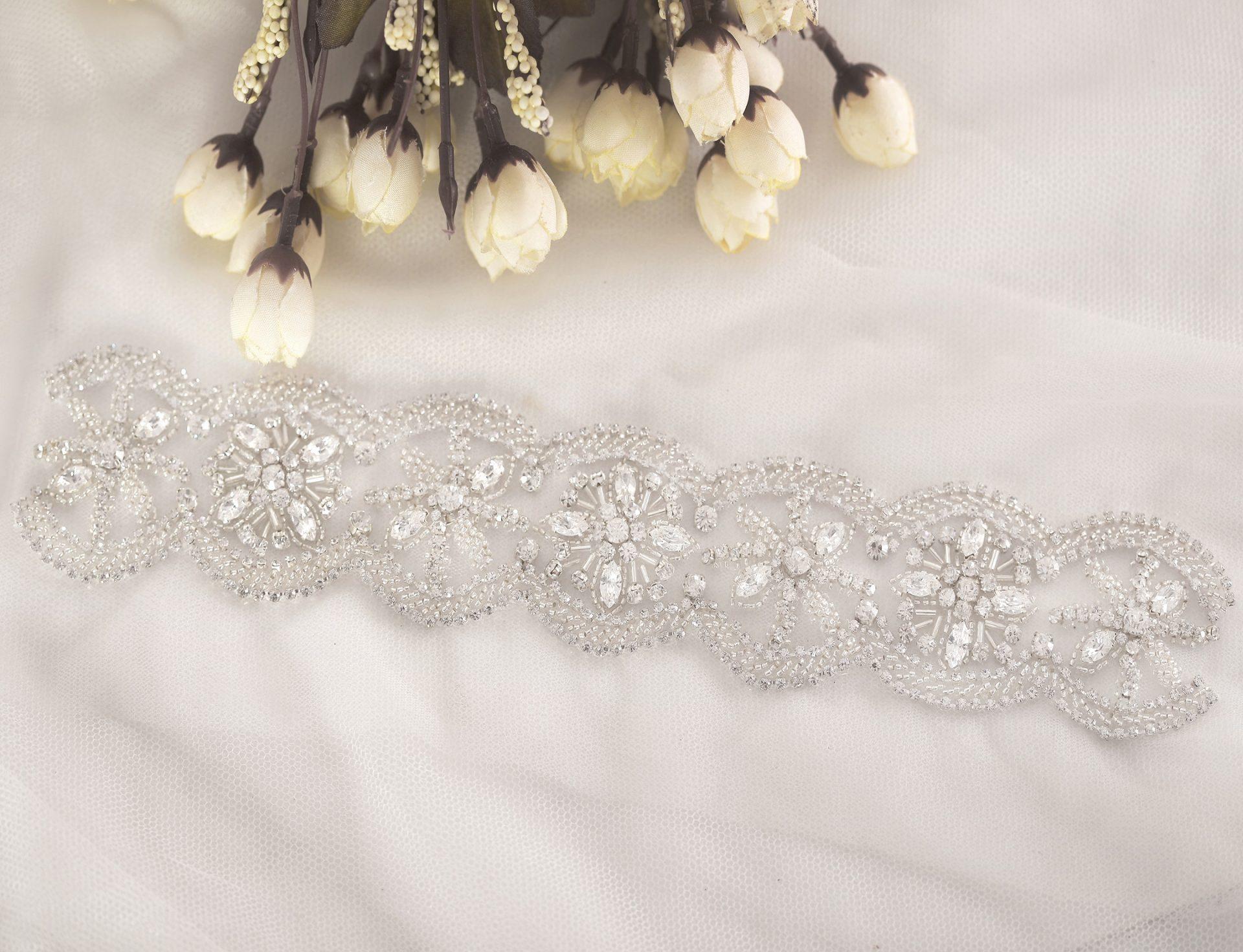 Modern Wedding | Twist Of Fate | Scalloped Edge Bridal Trim
